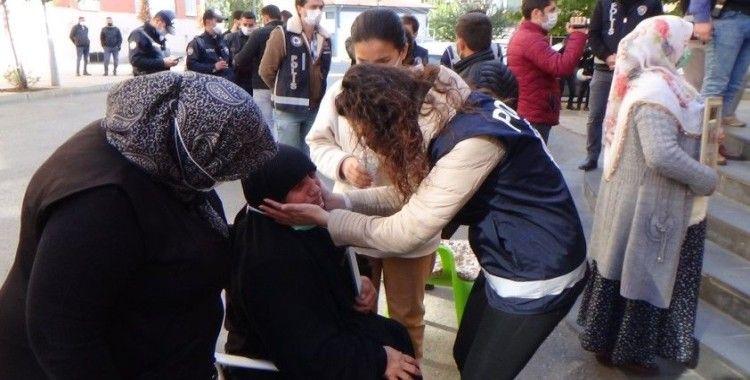 HDP'lilerle evlat nöbetindeki aileler arasında gerginlik