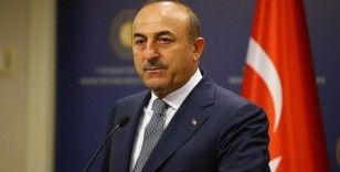 Bakan Çavuşoğlu, Kovid-19 aşısı geliştiren Prof. Dr. Şahin ve Dr. Türeci ile görüştü