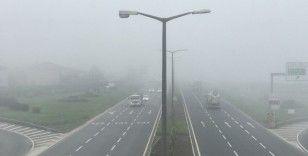 Düzce'de yoğun sis manzarası