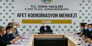 İçişleri Bakanı Soylu İzmir'de deprem değerlendirme toplantısı yaptı