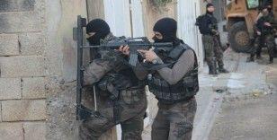 Pençe-Kaplan Operasyonu'nda silah ve mühimmat ele geçirildi