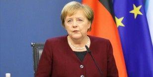 Merkel: Salgın kontrol altına alınırsa ekonomik toparlanma önemli ölçüde hızlanır