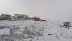 Tokat'a mevsimin ilk karı yağdı
