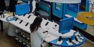 Okmeydanı'nda organize telefon hırsızlığı kamerada