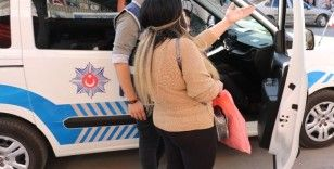Maske takmayan kadından polise özür