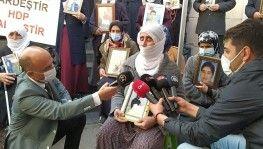 Korkularını yenen aileler HDP il binası önünde evlat nöbetine katılmaya devam ediyor