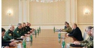 Şoygu, Bakü'de Aliyev ve mevkidaşı Hasanov'la Dağlık Karabağ'daki ateşkesi konuştu