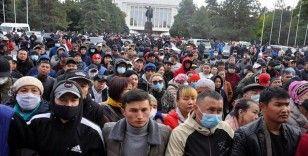 Kırgızistan'da anayasa değişikliği taslağı protesto edildi