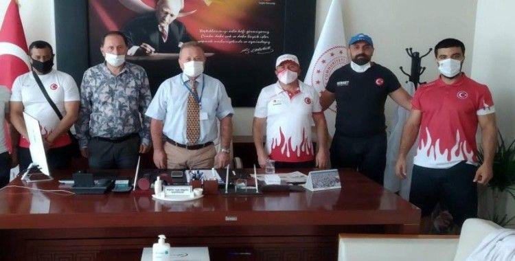 Milli Boks Antrenörlerinden Başhekim Prof. Dr. Ergül'e ziyaret