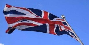 İngiltere'de bir bakan dış yardımların azaltılması kararı nedeniyle istifa etti