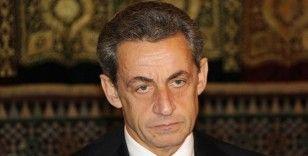 Sarkozy 'yolsuzluk' ve 'suç örgütü kurmak' suçlamalarıyla yeniden hakim karşısında