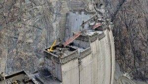 Türkiye'nin en yüksek barajının tamamlanmasına 25 metre kaldı