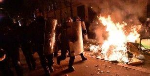Fransız gazeteci Bonnet, İçişleri Bakanı Darmanin'i istikrarsızlığı ve polis şiddetini artırmakla suçladı