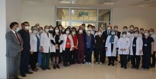 Kastamonu Valisi Avni Çakır, Kastamonu Eğitim ve Araştırma Hastanesi'ne moral ziyaretinde bulundu