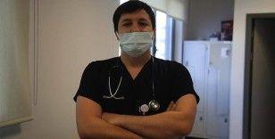 Kovid-19'u yenen doktor Sezici: Hayatınızda olmadığı kadar halsizlik yaşıyorsunuz
