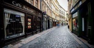 Çekya'da Kovid-19'la mücadele kapsamında kapatılan iş yeri ve restoranlar açılıyor