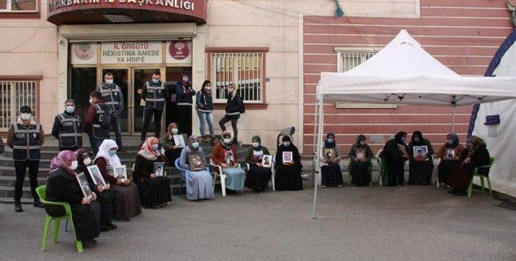 """""""Çocukları PKK'ya sattılar, lüks arabalara biniyorlar"""""""