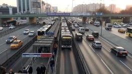 Kısıtlama sonrası trafik yoğunluğu oluştu