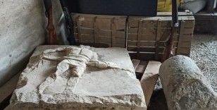 Çanakkale'de 2 bin yıllık gladyatör rölyefi ve sütun tamburu ele geçirildi