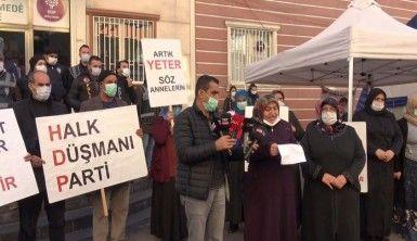 HDP önündeki anne, evladının ölüm haberi iddiasına tepki gösterdi