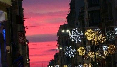 İstiklal Caddesi'nde gün batımı manzarası hayran bıraktı