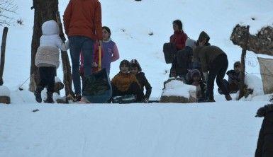Şırnak'ta çocukların kar keyfi