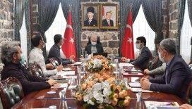Diyarbakır Valisi Karaloğlu çalışmalarına ara vermeden devam ediyor