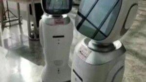 Çin'de iki robotun tartıştığı anlar sosyal medyada gündem oldu