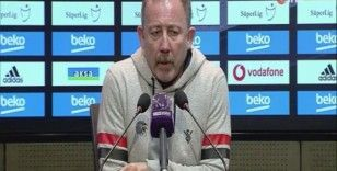 """Sergen Yalçın: """"Beşiktaş'ın lider olmasıyla övünecek durumda değiliz"""""""