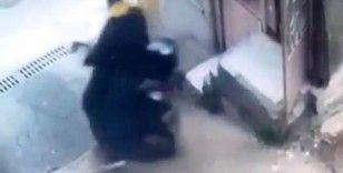 Bursa'da güpegündüz motosiklet hırsızlığı kamerada