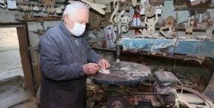Sakarya'da deposunu atölyeye çeviren 'Hayati Amca' ahşaptan hobi ürünleri yapıyor