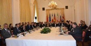 Çin, İran nükleer anlaşmasındaki tüm taraflara ABD'yi anlaşmaya dönmeye ikna etme çağrısında bulundu