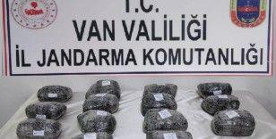 Van'da 15 kilogram uyuşturucu ele geçirildi