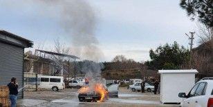 Cami imamının LPG'li otomobili alev topuna döndü