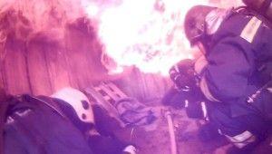 İtfaiye ekiplerinin zorlu eğitimleri aksiyon kamerasına yansıdı