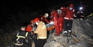 Ünlü iş adamı kayalıklardan düştü, 8 saatte kurtarıldı