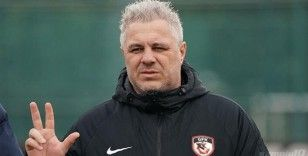 Futbolun hırçın ve renkli teknik adamı Sumudica, Gaziantep'i zirveye taşıdı