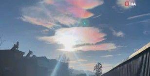"""Çin'de görüntülenen """"gökkuşağı bulutları"""" hayranlık uyandırdı"""