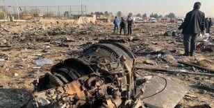 İran'da geçen yıl düşürülen yolcu uçağında yakınlarını kaybedenler adalet istiyor