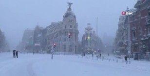 İspanya'da Filomena kar fırtınası hayatı felç etti: 2 ölü