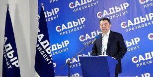 Kırgızistan'da devlet başkanlığı yarışının galibi 'Sadır Caparov'