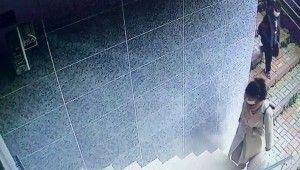 İstanbul'da genç kadının yaşadığı kapkaç dehşeti kamerada
