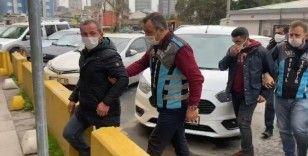 Kadıköy'de değnekçilik yapan 3 şahıs yakalandı