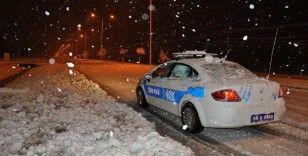 Sivas-Kayseri karayolunda 8 araç mahsur kaldı