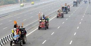 Hindistan'da protestocu çiftçiler Yüksek Mahkeme'nin önerdiği danışma kuruluna katılmak istemiyor