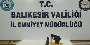 Balıkesir'de polis 14 aranan şahsı yakaladı
