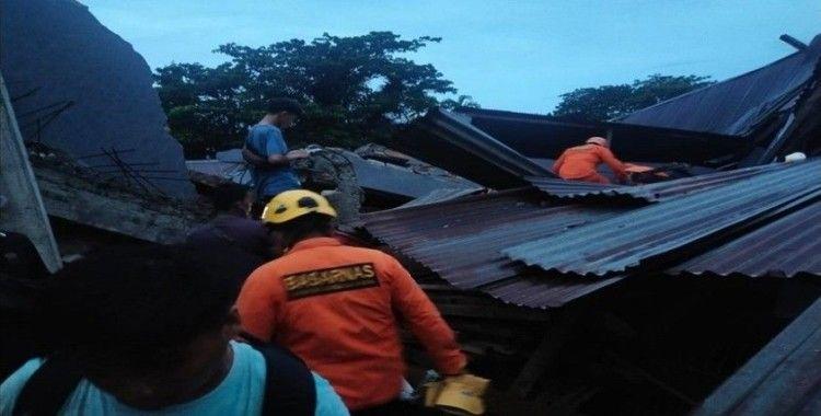 Endonezya'da 6.2 şiddetinde deprem: 10 ölü, 637 yaralı