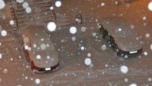 Kars'ta kar yağışı etkisini artırdı