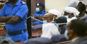 Eski Sudan Cumhurbaşkanı Beşir'in yargılandığı '1989 darbesi' davası 26 Ocak'a ertelendi