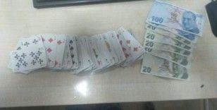 Kars'ta kumar oynayan 4 kişi suçüstü yakalandı
